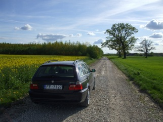 BMW  , 2001