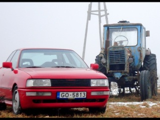Audi sarkanas krāsā , 1989