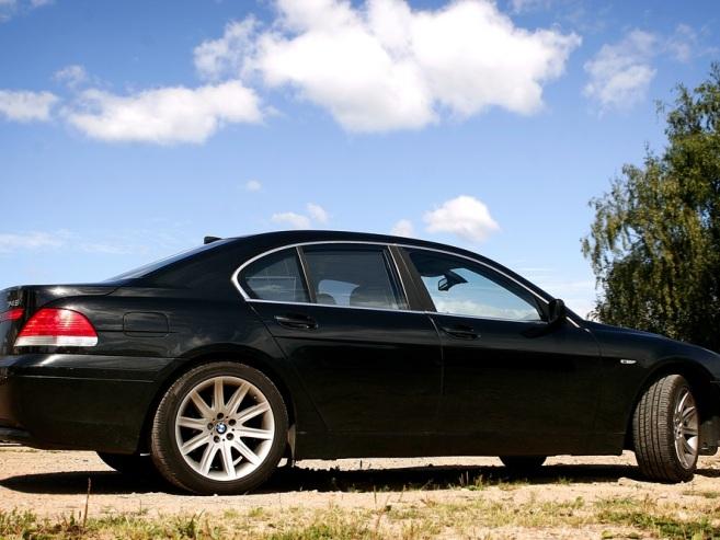 BMW 745 , 2002