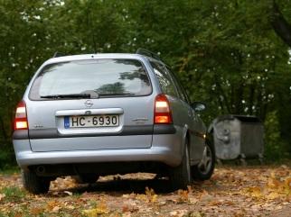 Opel Caravan , 1998