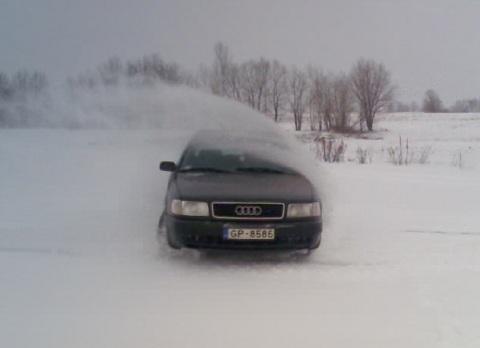 Audi C4, Ziema + Vasaras riepas = Grāvis