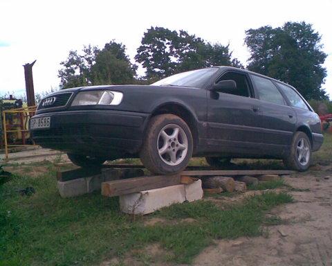 Audi C4, Motora aizsargs