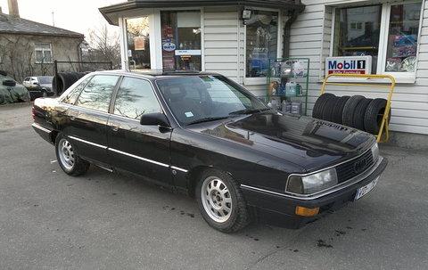 Audi 200 2.1 T, Palika robā!!!
