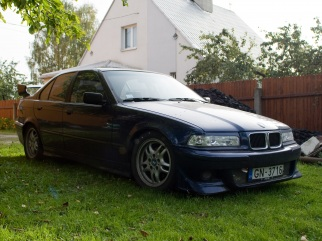 BMW  , 1993