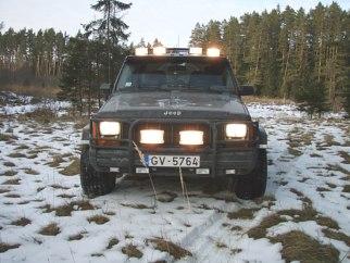 Jeep melnais nezvērs , 1995