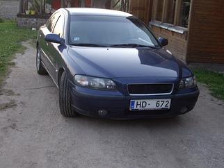 Volvo S60 zila bulta, 2001