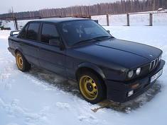 BMW 320 melnis  .............., 1989