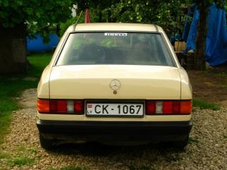 Mercedes-Benz  , 1985