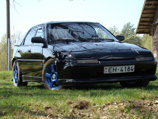 Mazda 323 gt, 1990
