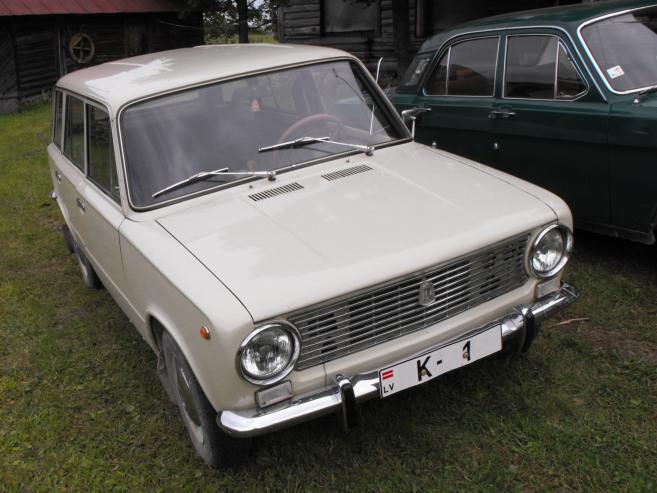 VAZ 2102 , 1975