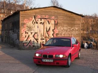 BMW Maziņā - sarkanā , 1995