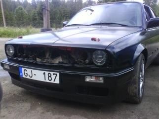 BMW E30 , 1987