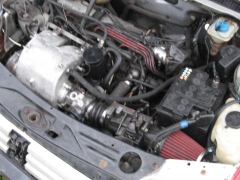 Peugeot 205 GTI, sajuga un karbas maina