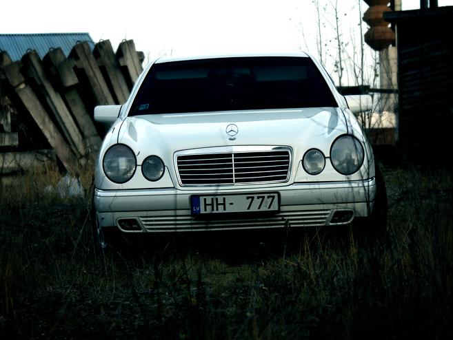 Mercedes-Benz E 220 , 1996